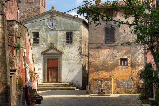 Piazza di Calcata (6165 clic)