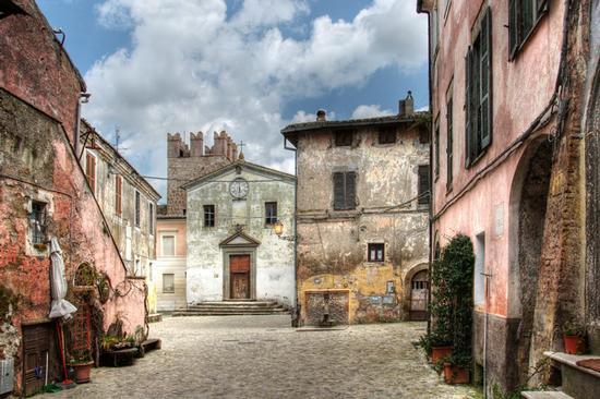 Piazza di Calcata (2856 clic)