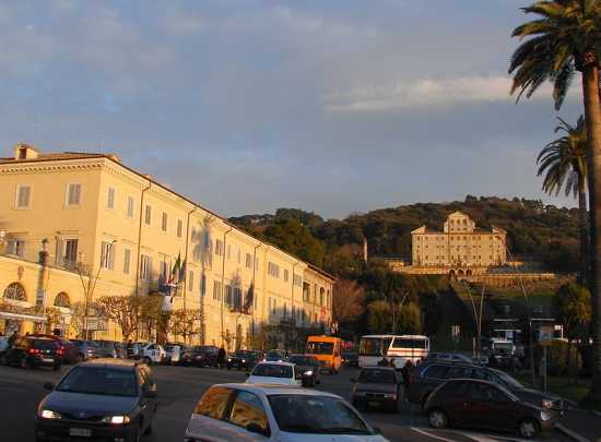 Piazza Marconi - Frascati (4776 clic)