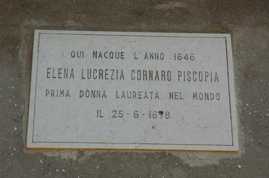 La prima donna laureata nel mondo: si chiamava Elena Lucrezia Cornaro Piscopia - Venezia (2665 clic)