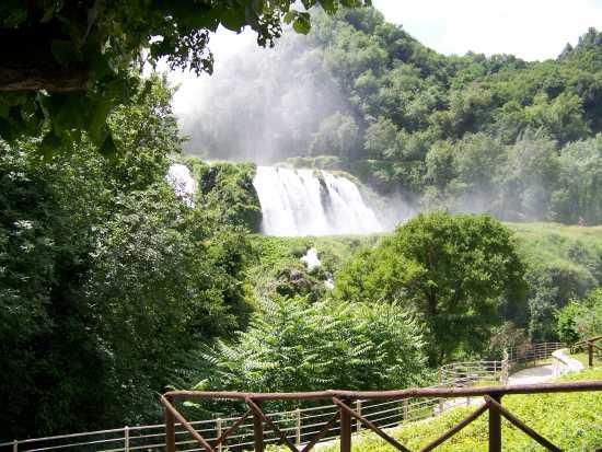 La cascata delle Marmore - L'ultimo salto (2335 clic)