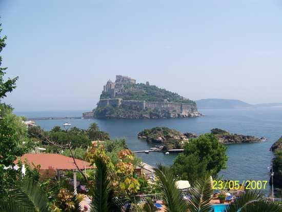 ISCHIA - Il Castello Aragonese (3716 clic)