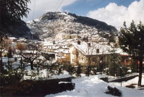 PANORAMA  INVERNALE                vista da Collemaggio - Tagliacozzo (5201 clic)