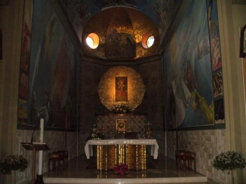 SANTUARIO MADONNA DELL'ORIENTE    altare e icona - Tagliacozzo (4394 clic)