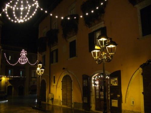 PIAZZA DELL'OBELISCO     notturno - Tagliacozzo (2654 clic)