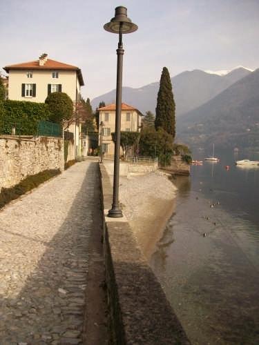 Riva del Tenciuu - Laglio (2870 clic)