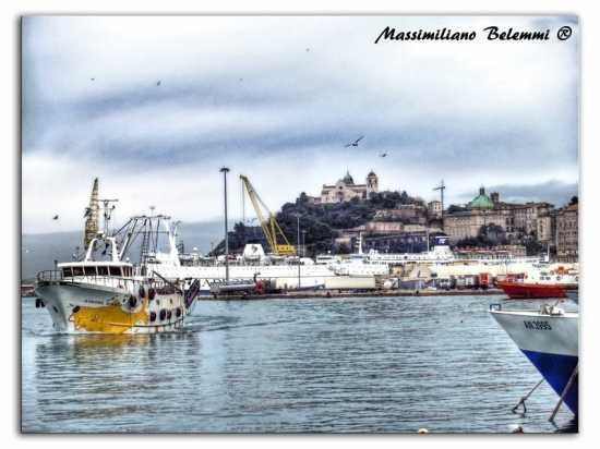 Veduta dal porto di Ancona (4319 clic)