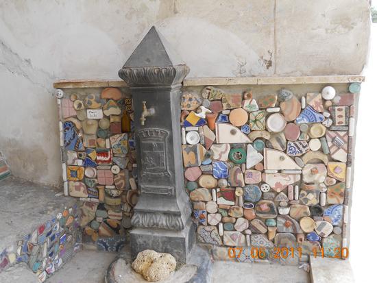 Fontana con ceramica - Sciacca (2573 clic)