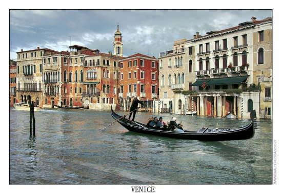 Gondola a Venezia - VENEZIA - inserita il 09-Jun-07