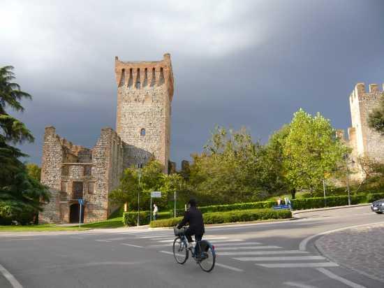 ESTE(Padova) Torre del soccorso in autunno - ESTE - inserita il 21-Oct-09