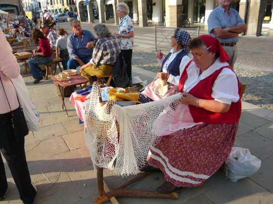 ESTE(Padova) Vecchi mestieri in Piazza Maggiore  (3723 clic)