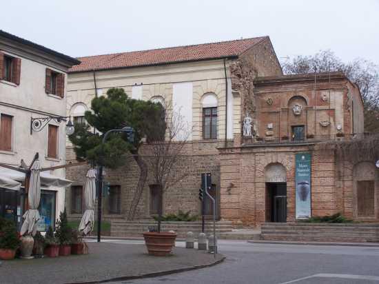 ESTE(Padova) ingresso del Museo Atestino (3365 clic)
