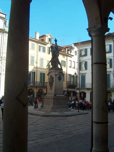 ... - Varese (1844 clic)