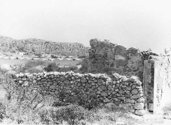 Ex casamatta seconda guerra mondiale vista laterale - Licata (4093 clic)