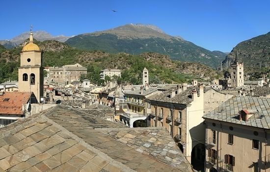 Susa dai tetti del centro storico (4587 clic)