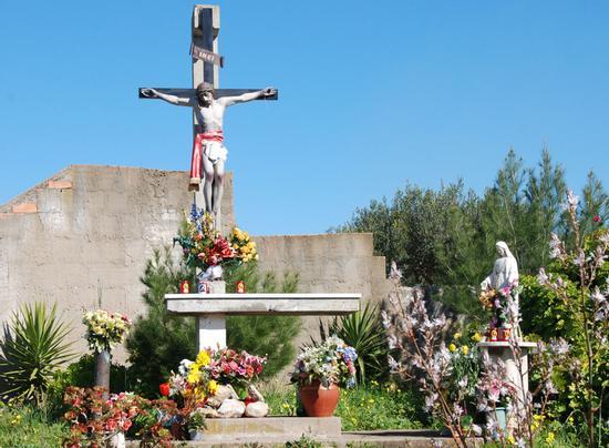 Crocefisso  lungo la strada per Sant'Anna 06-02-2011 (2717 clic)