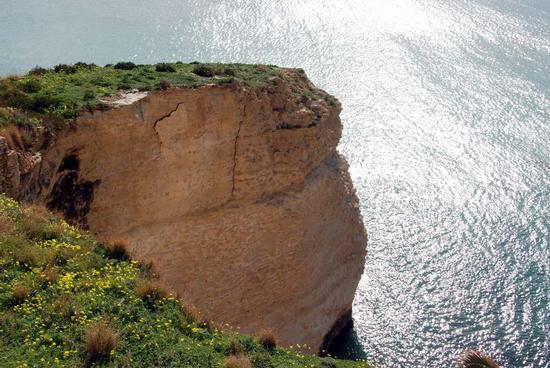 Roccia vicino al porto - Sciacca (2659 clic)
