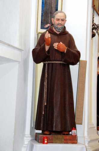 San Pio da Pietrelcina nella chiesa San V. Ferreri - Calamonaci (3153 clic)