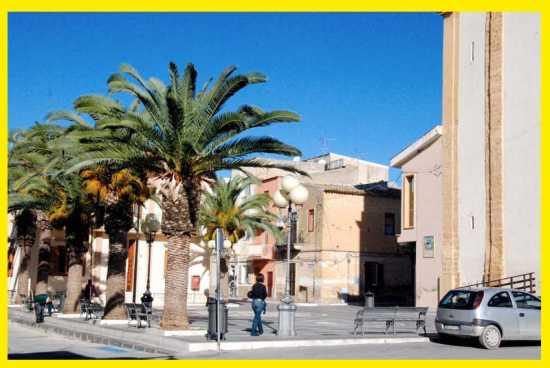 Piazza S. Vincenzo Ferreri - Calamonaci (4046 clic)