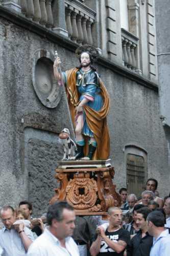 Festa di S. Rocco - Processione per le vie del paese - Simbario (4169 clic)