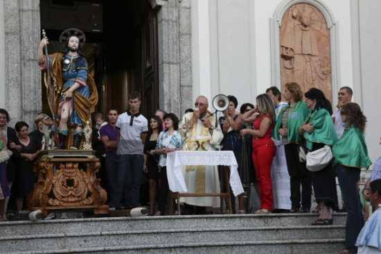 Festa di S. Rocco - Fine della processione - Simbario (3004 clic)