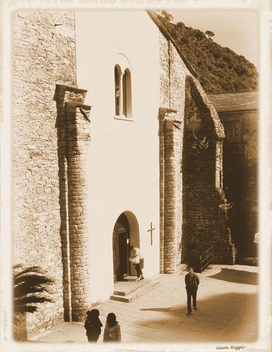 Chiesa di  San.Fruttuoso  di Camogli (3000 clic)