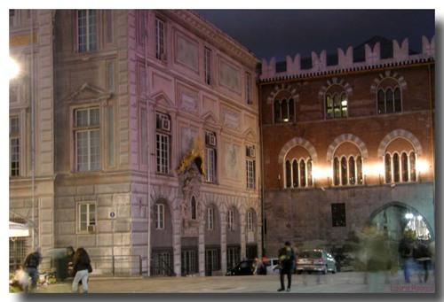 Palazzo San Giorgio caricamento Genova (2477 clic)
