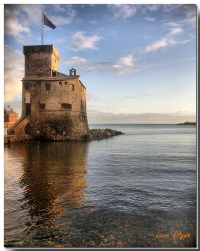 Rapallo - Castello sul mare (9604 clic)