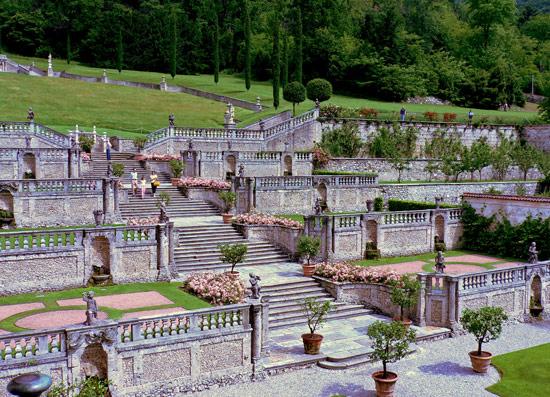 Villa Della Porta Bozzolo (bene FAI)  - I giardini  - Casalzuigno (2564 clic)