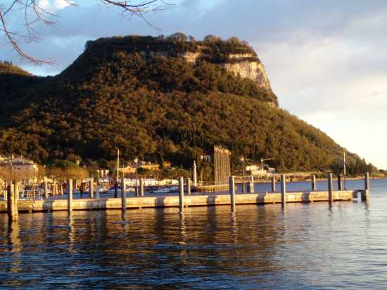 Garda - La Rocca - GARDA - inserita il 17-Nov-09