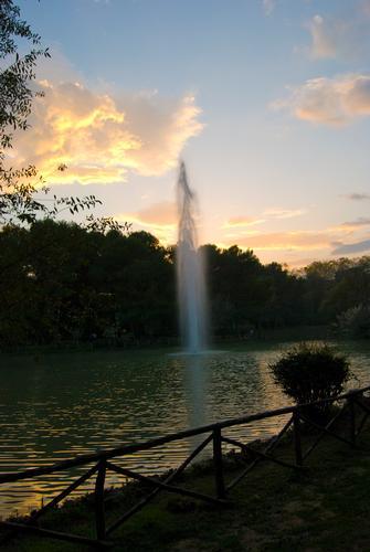 Laghetto artificiale al parco della pinetina - Pescara (1710 clic)