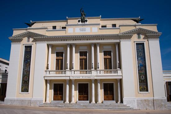 Ortona Teatro Vittoria (1471 clic)
