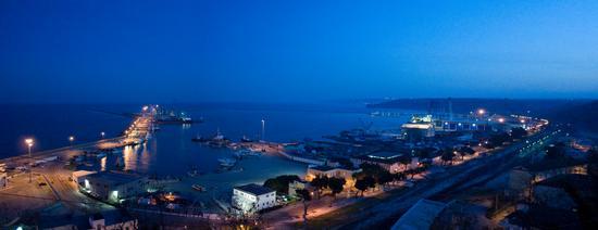 Veduta del porto dal castello - Ortona (2118 clic)