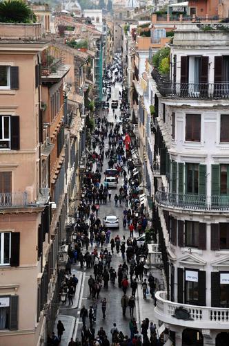 Via Condotti - ROMA - inserita il 03-Dec-12