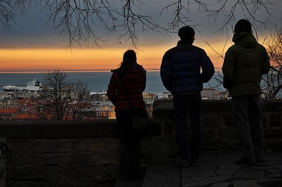 tramonto in RGB. - Trieste (695 clic)