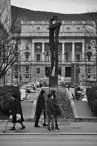 Piazza Guglielmo Oberdan. - Trieste (725 clic)