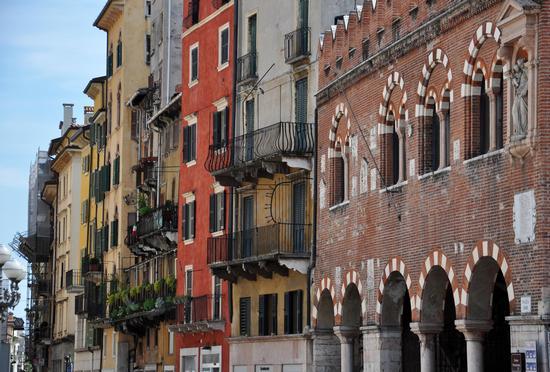 Piazza Erbe - Verona (1352 clic)