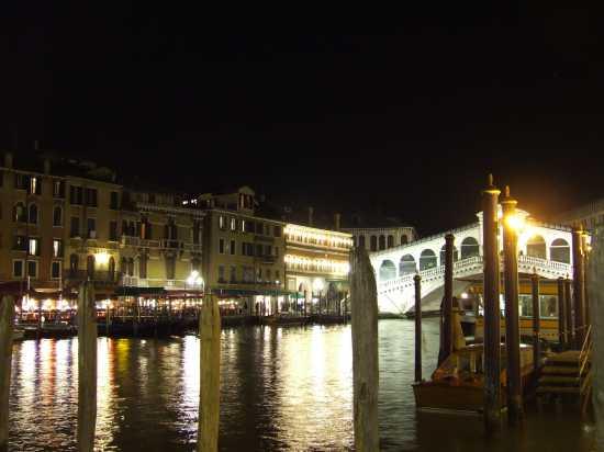 Venezia, Ponte di Rialto di notte (4140 clic)