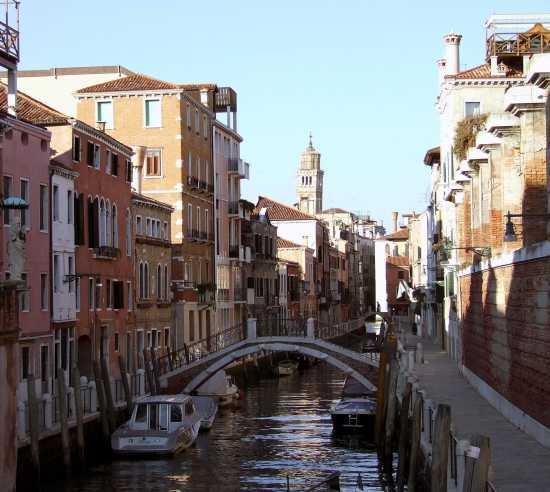 Vista dal Ponte Ca' Balà - Venezia (2820 clic)