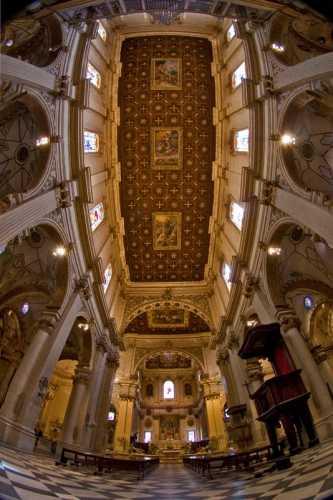 suggestiva immagine panoramica del  Duomo di Lecce, bellissima  location per Matrimoni e Cerimonie Nozze a Lecce (7444 clic)
