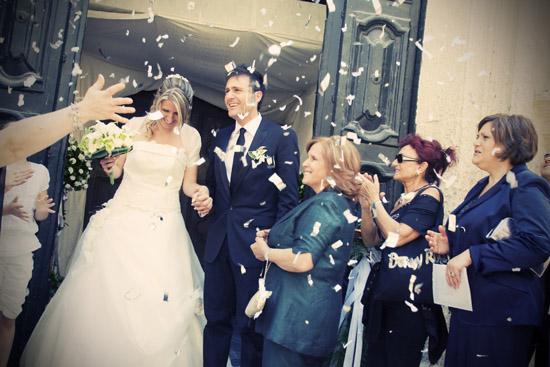 Matrimonio a Lecce,servizio foto, Chiesa San Matteo Lecce, sposo e sposa lecce, uscita chiesa e festeggiamenti sposi felici (6591 clic)