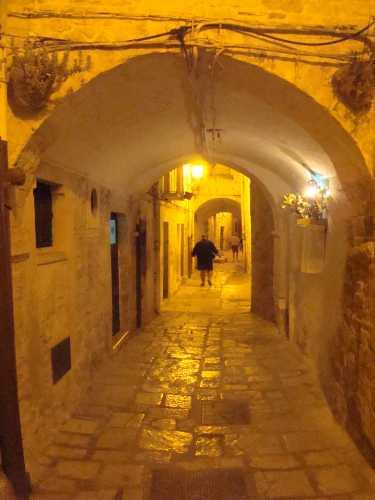 piazza Cavur la notte della festa Maggiore - Terlizzi (2676 clic)