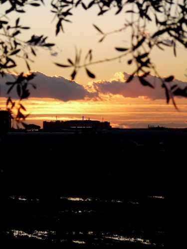 Tramonto dopo la pioggia - Pomezia (2465 clic)