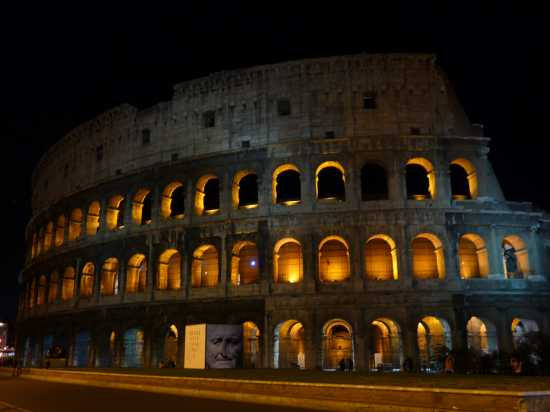 Colosseo in notturna - Roma (4500 clic)
