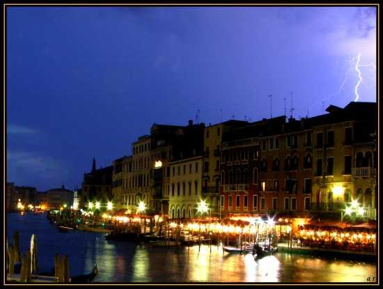 Lampo a Venezia (4588 clic)