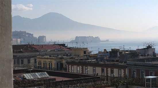 Panorama di Napoli con Vesuvio (3467 clic)