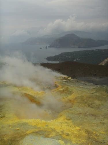 Le fumarole del cratere - Vulcano (5310 clic)