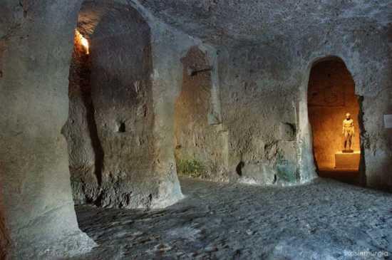 la citta più bella del mondo: Sassi di Matera (2553 clic)