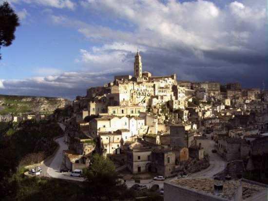 la citta più bella del mondo: Sassi di Matera (9951 clic)