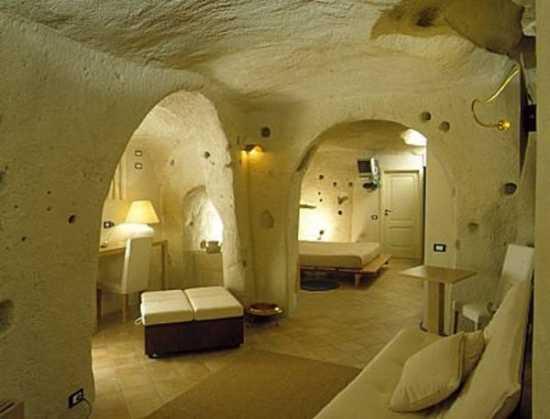 la citta più bella del mondo: Sassi di Matera (9642 clic)